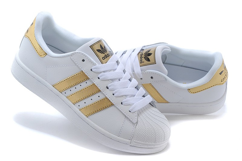 basket adidas femmes superstar or