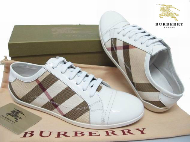f2c0cd1593f8 Burberry Chaussures Chaussures Burberry Femme Pas Cher 4E4rqgc